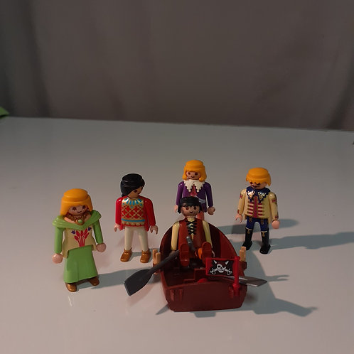 5 PERSONNAGES + CHALOUPE
