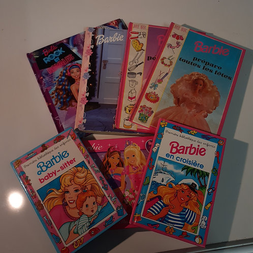LOT 7 LIVRES BARBIE