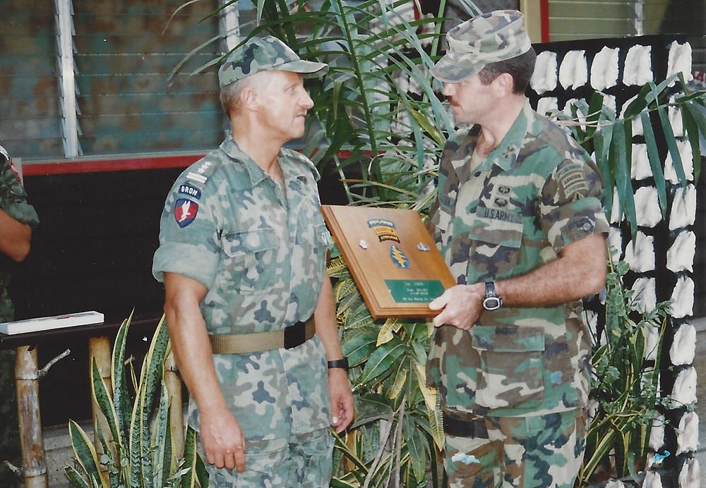 Otis & commander of GROM, Col Petelicki