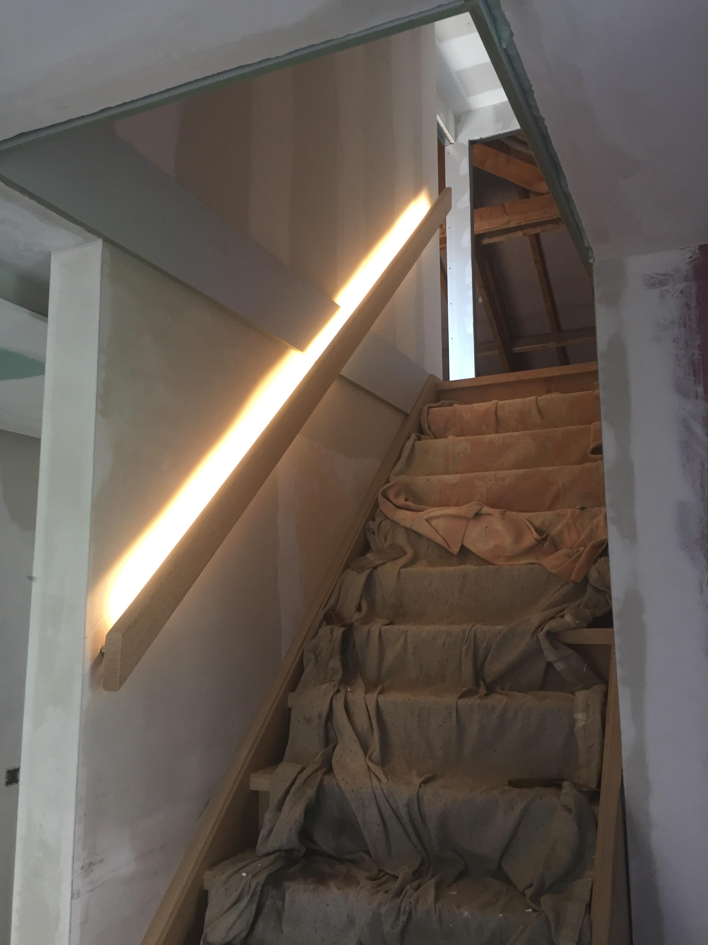 Plaatsen van ledverlichting trap