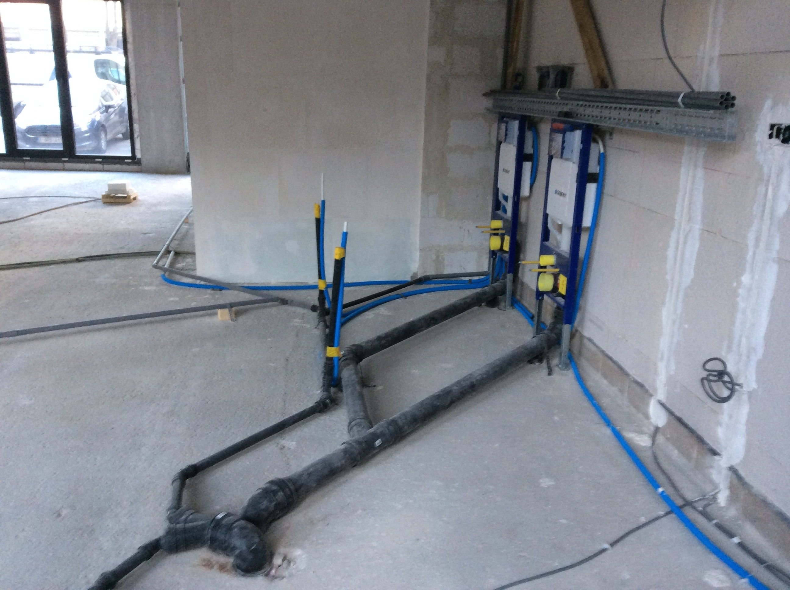 Plaatsen van sanitaire leidingen