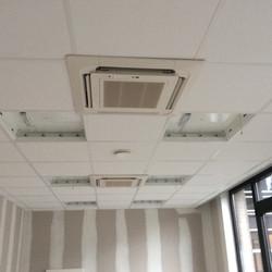 Airco en verlichting in systeemplaf.