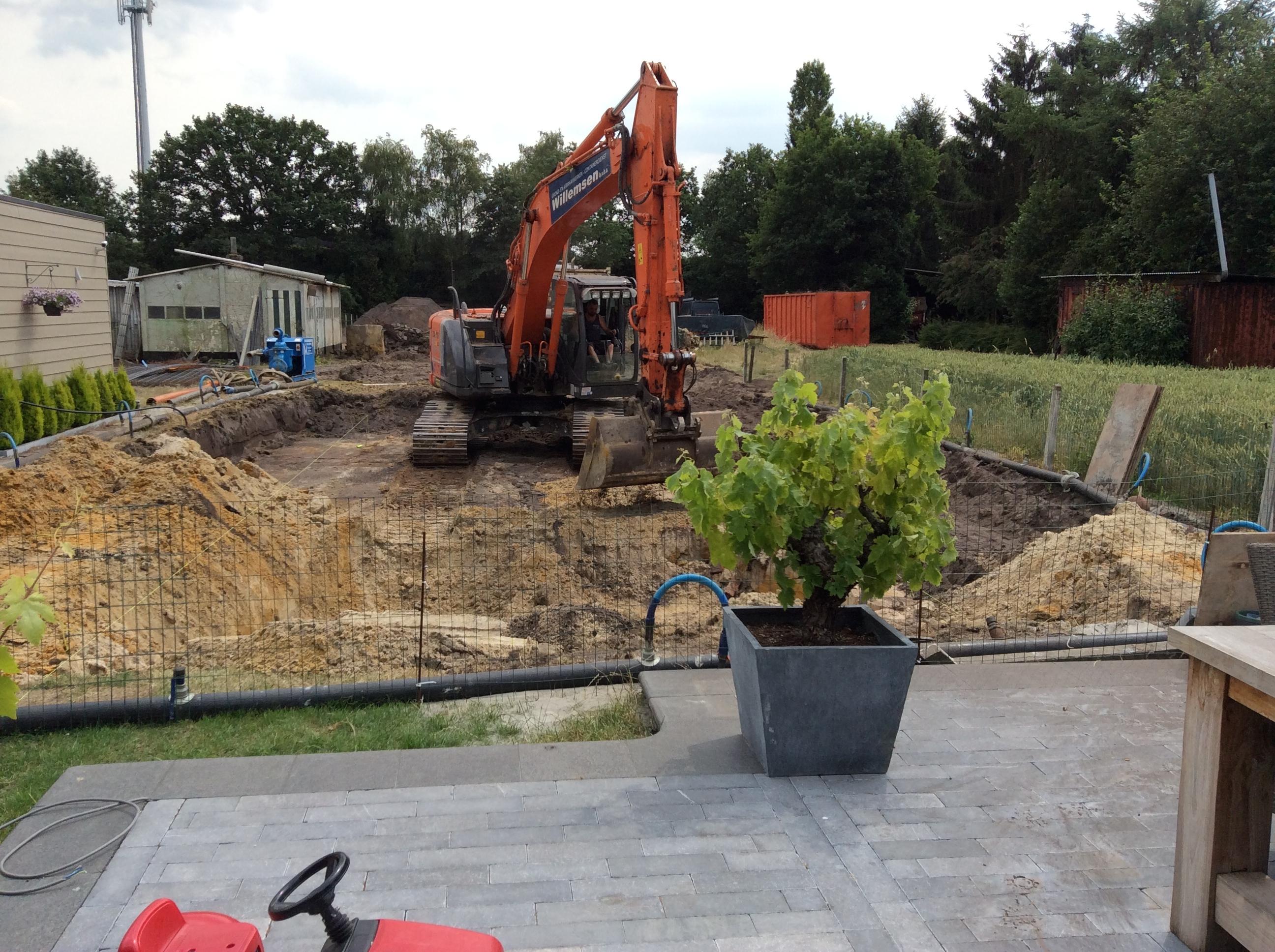 Uitgraven zwembad met kraan