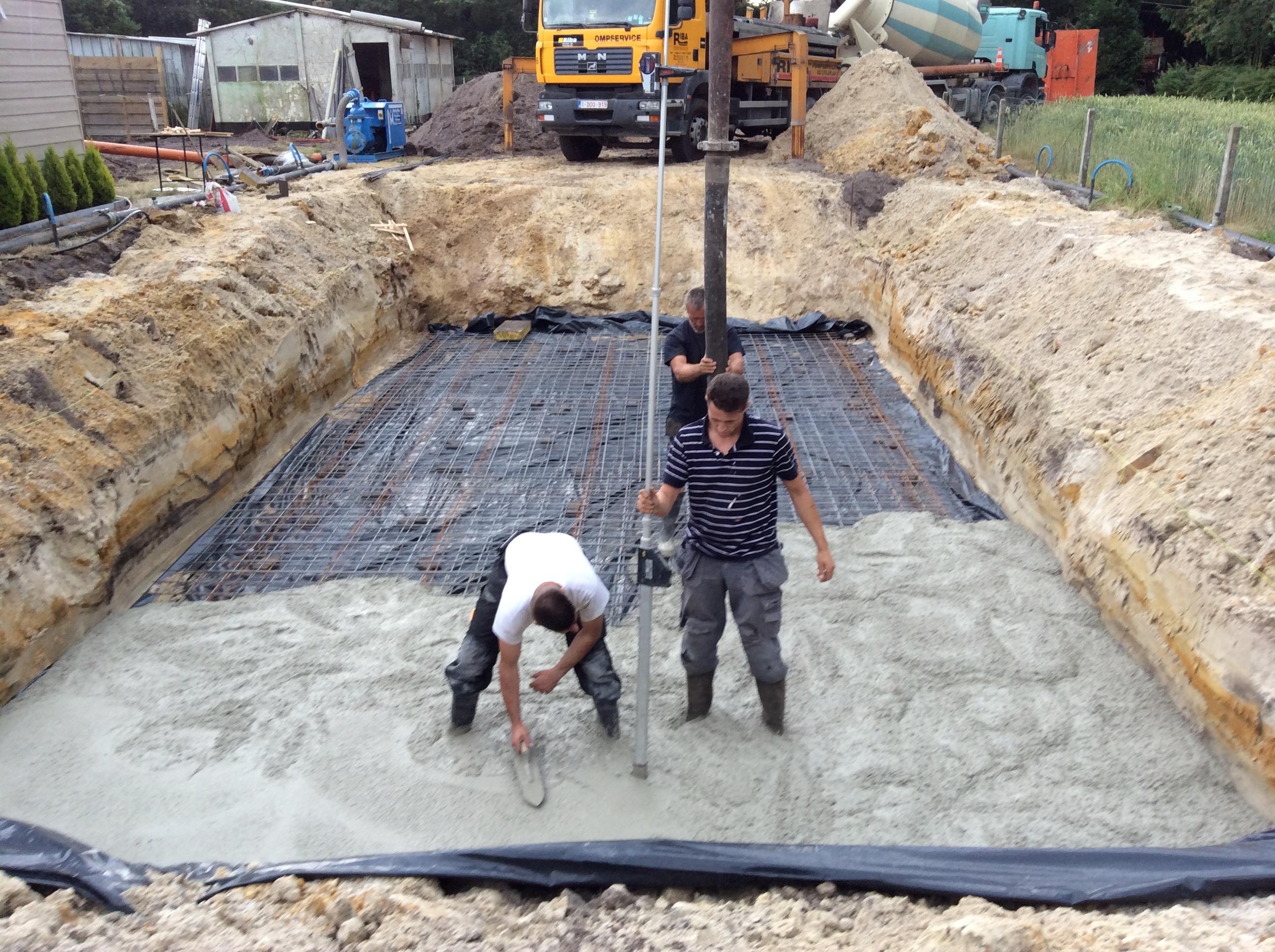 Storten van betonnen vloerplaat