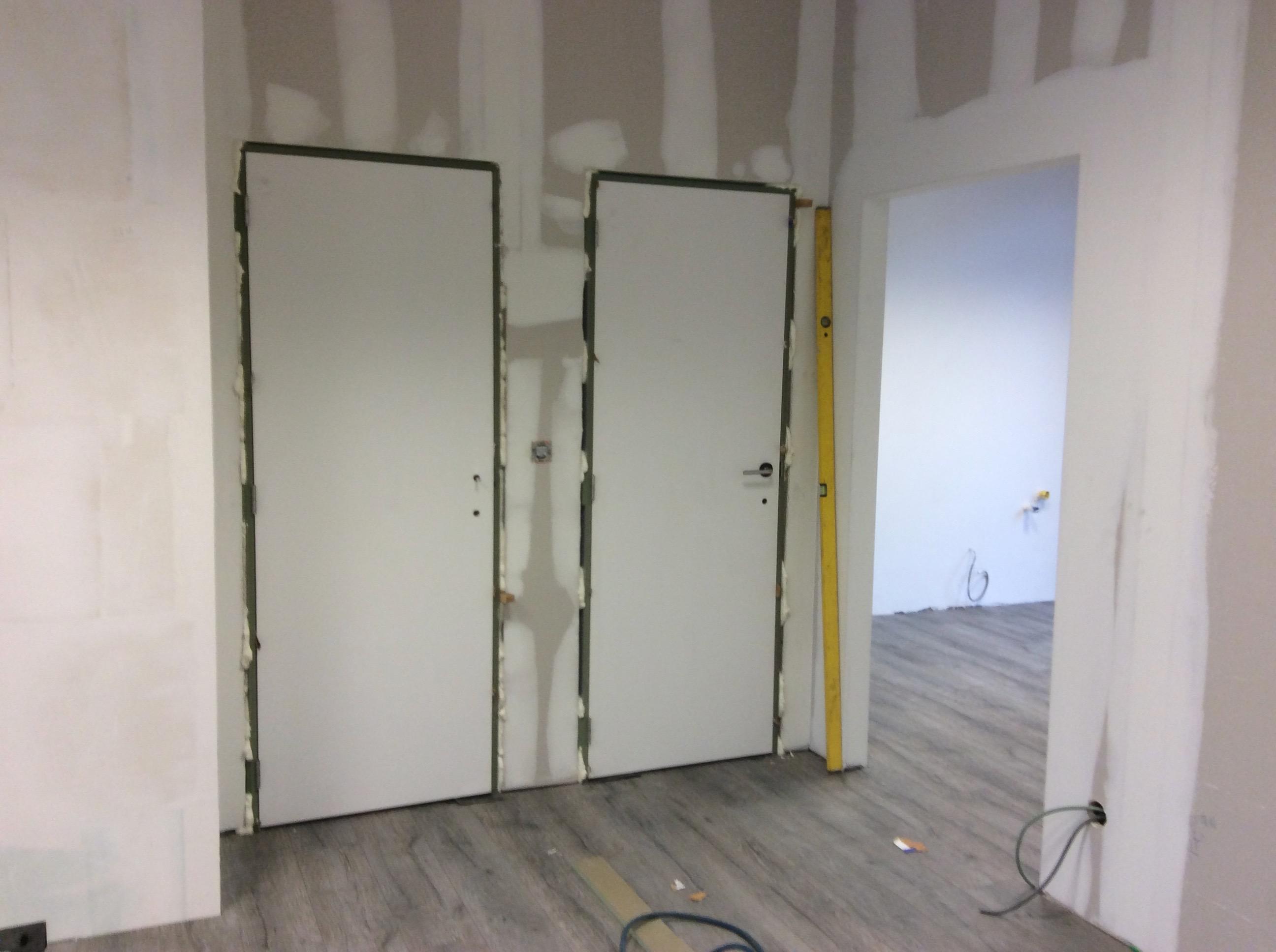 Plaatsen van binnendeuren