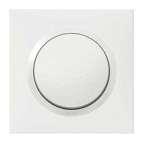 Interrupteur ou va-et-vient dooxie 10AX 250V livré avec plaque carrée blanche