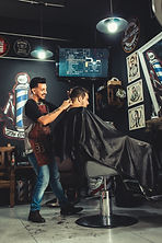 adults-barber-barber-shop-2061820.jpg