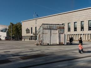 Venez découvrir la remise de Monsieur Tulasne sur la place de L'Hôtel-de-ville à Lorient