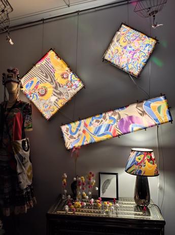 tableaux rétroéclairés du Loft et lampes de chevets