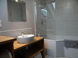Appartement 3. Salle de bain
