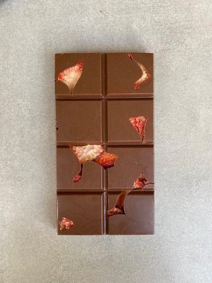 BARRA DE CHOCOLATE AO LEITE COM MORANGO