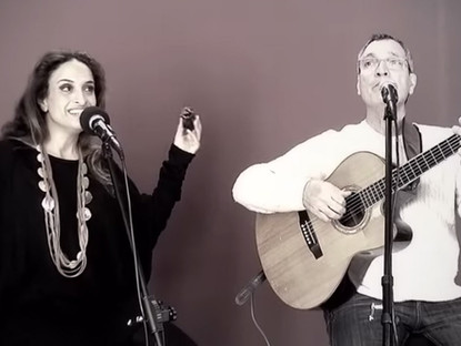 Noa Sings Happy Song – Acoustic Version