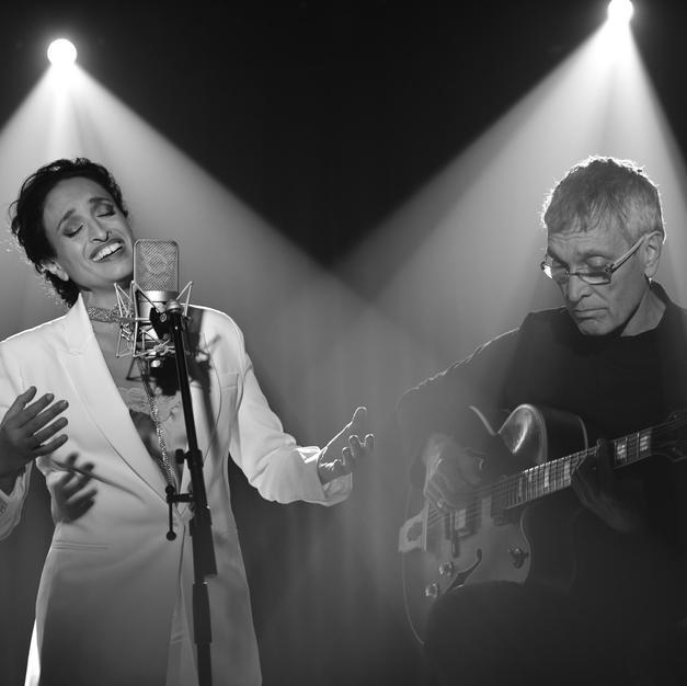 Noa & Gil Dor by Michel Braunstein