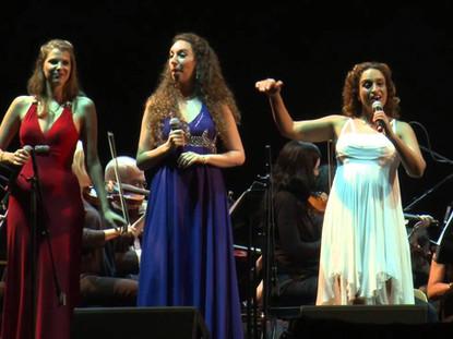 Noa with Shiri Hershkovitz and Tal Bergman sing Chicken Coop Aria