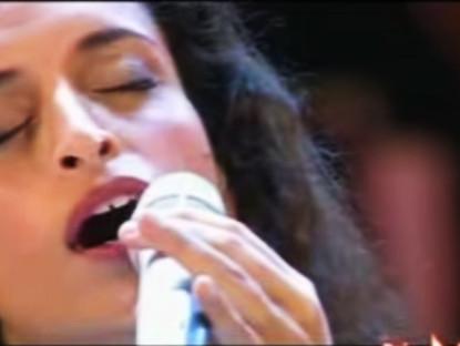 "Noa Sings ""No potho Reposare"" Tribute to Andrea Parodi"