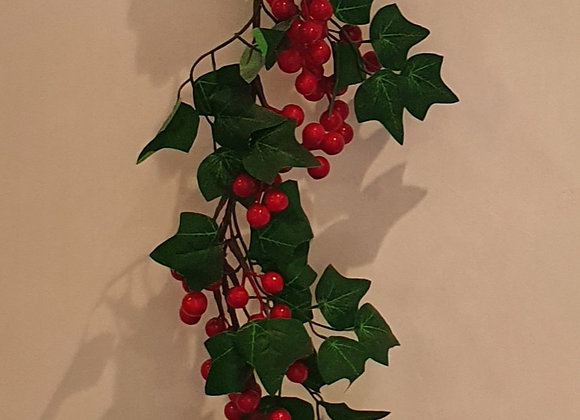 Ivy and Berries Garland