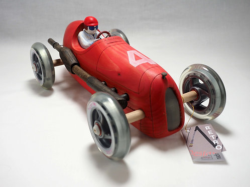 Grote 'WOODIE' car