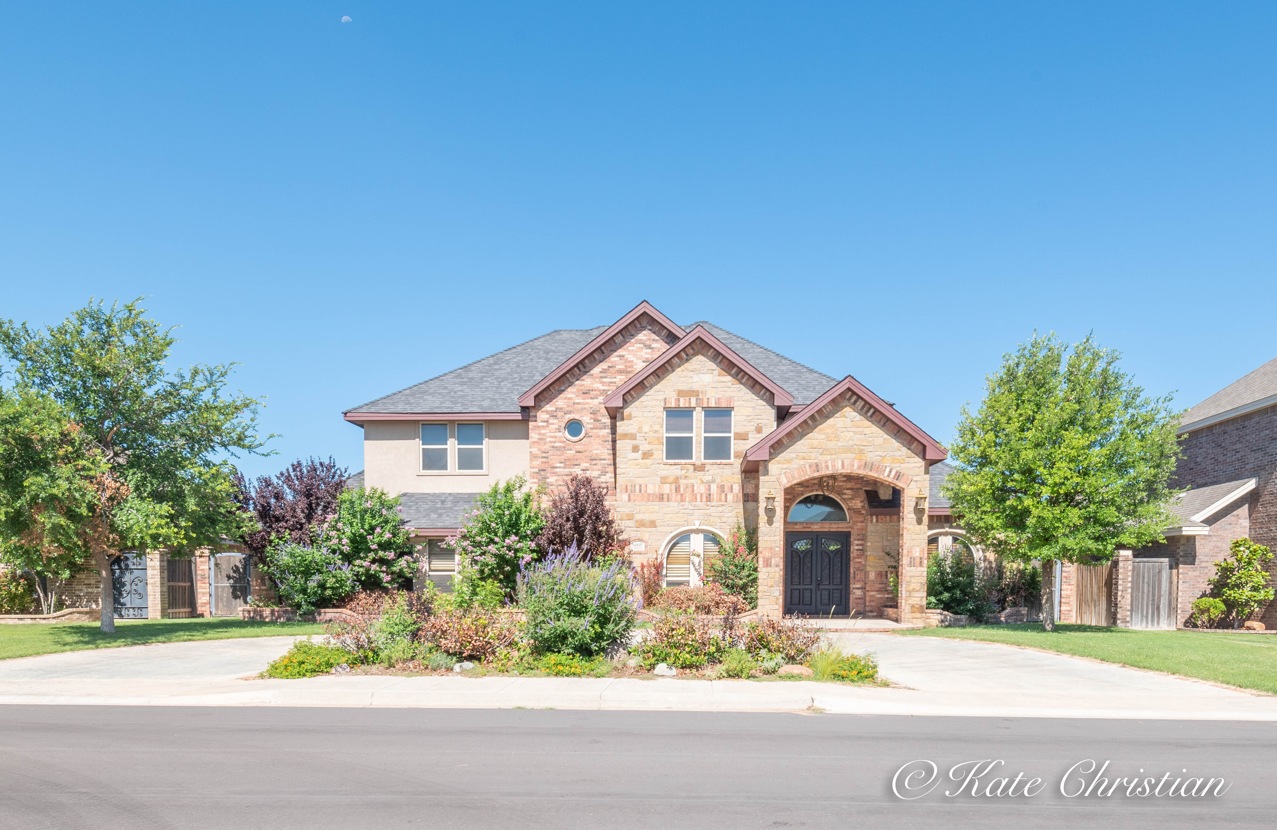6005 Clarewood Dr.