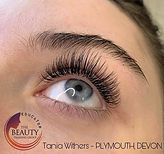 Esther Classic lashes.jpg