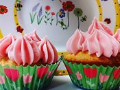 strawberry lemonade cupcakes.jpg