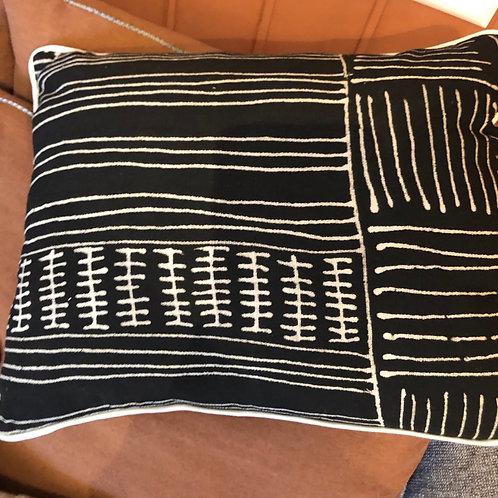 Housse de coussin, Bogolan Mali, biface imprimé ethnique noir et blanc