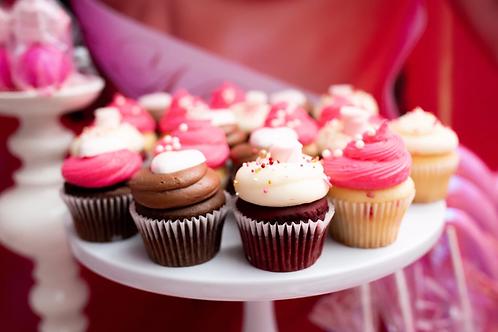 12 Valentines Day Cupcakes