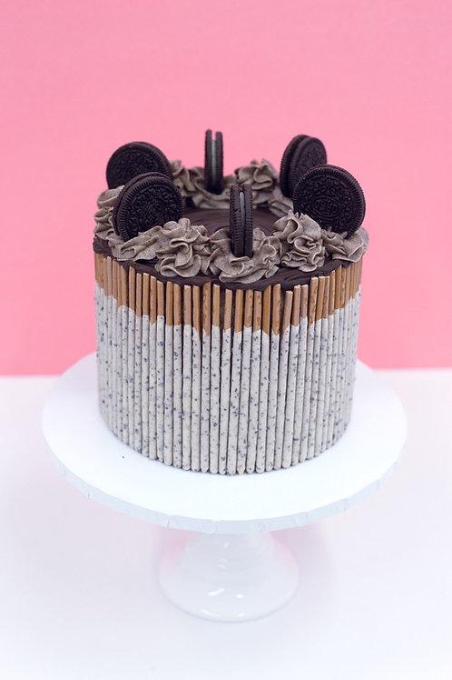 Cookies N Creme Cake