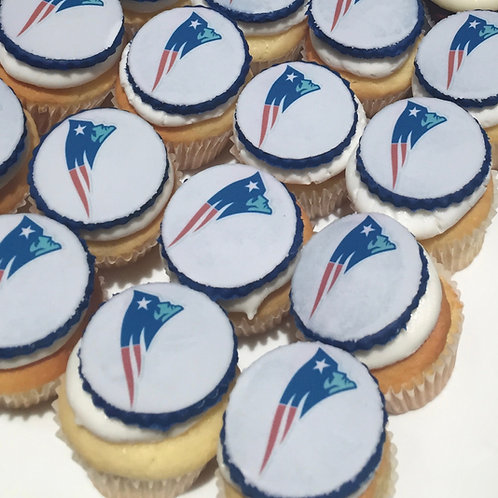 12 Team Logo mini cupcakes