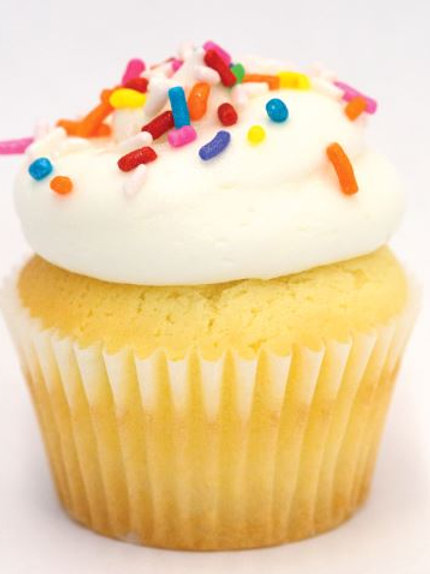 6 Birthday Cake Cupcakes