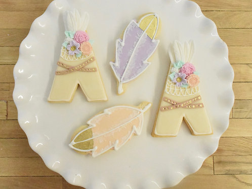 6 Teepee or Feather cookies
