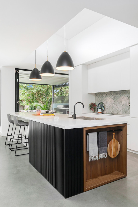 Petersham Kitchen with Black accessories