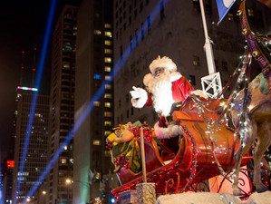 Holidays in Chicago: The Whole City Sparkles through Holiday Season