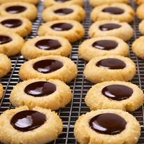 chocolate thumbprint cookies[1].jpg