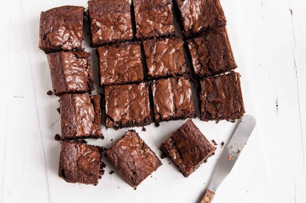 easy-chocolate-brownies-9.jpg