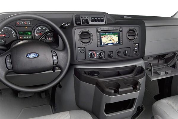 15-Passenger-Van-Interior-1-600-x-400