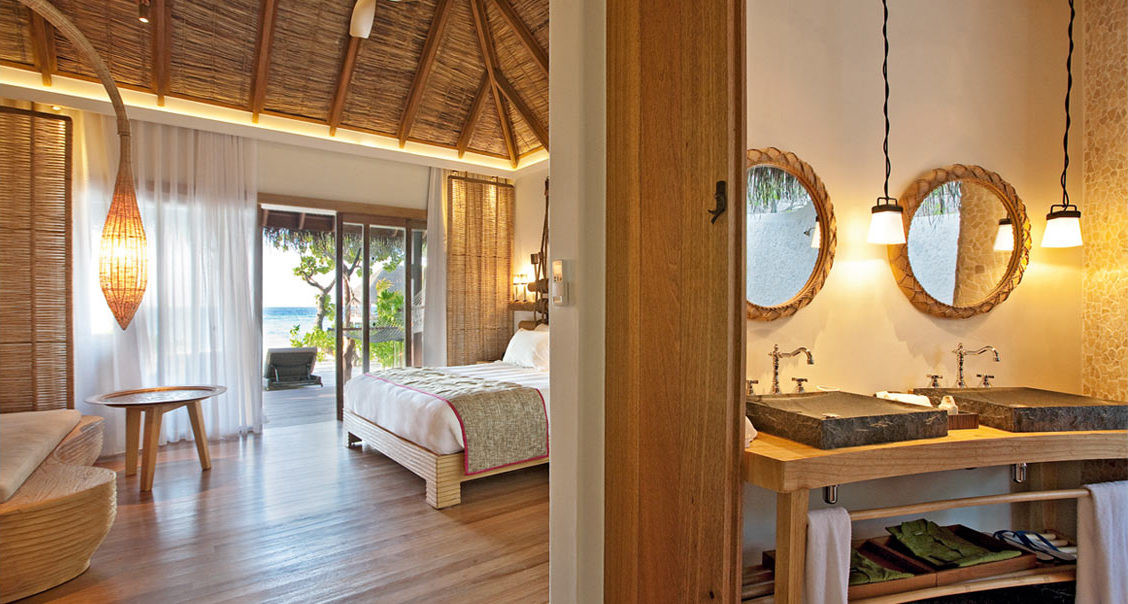 Constance Moofushi Resort ★ ★ ★ ★ ★