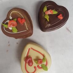Coeur avec 3 pralinés