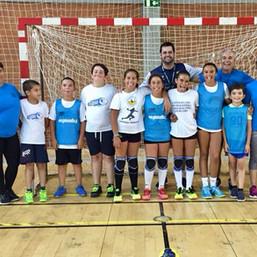 """Os """"miúdos"""" com os professores Carlos Garcia, Diego Abreu e Célia Maria"""