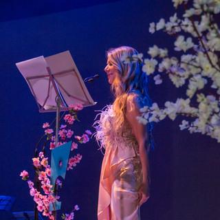 La Gala / Nora Briozzo