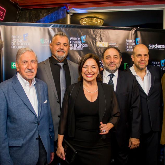 La Gala / Alberto Pieragostini, Horacio Malvicino, Walter Oliverio, Mavi Díaz, Alejandro Pont Lezica, Willy Poch y Ricardo Vernazza