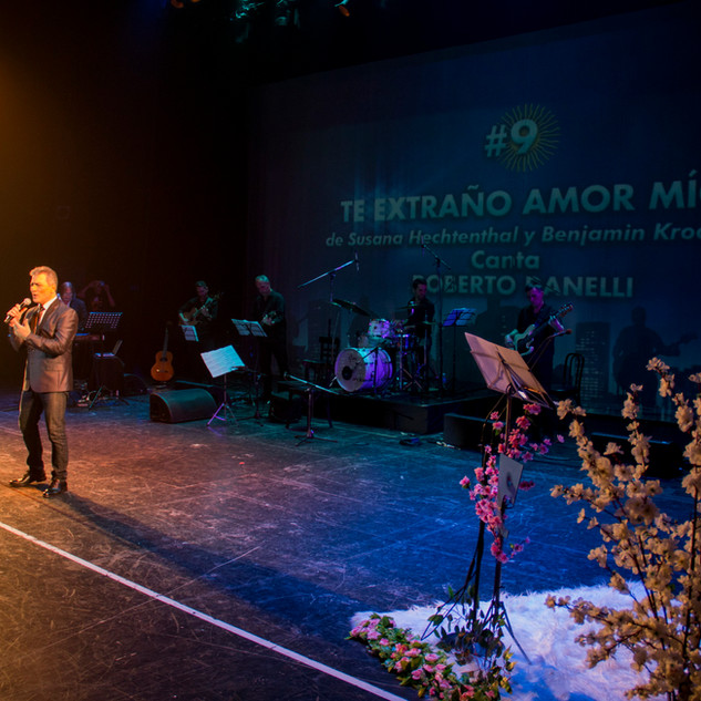 La Gala / Roberto Danellli