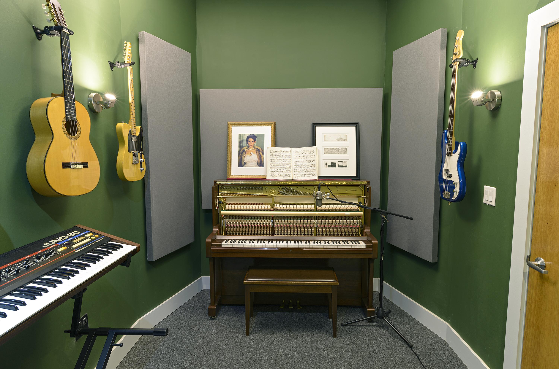 studio 04 Ellis-2333.jpg