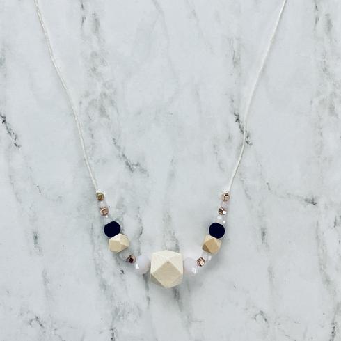 Short Necklace 1