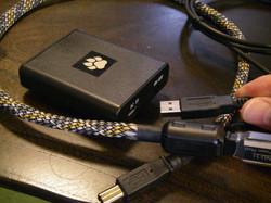 USBですので、他の大容量スマホ充電器も使えます!