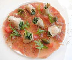 Carpaccio de thon avec rouleaux de vitello tonnato - Gusti Pontigore