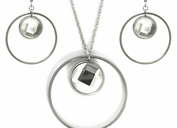 The Ambitious Earrings and Pendant Set