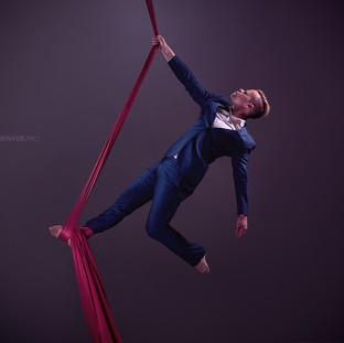 Aaron Twitchen Aerial circus