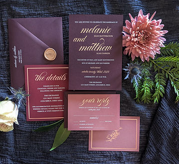 moody-romance-wedding-invitation-burgund