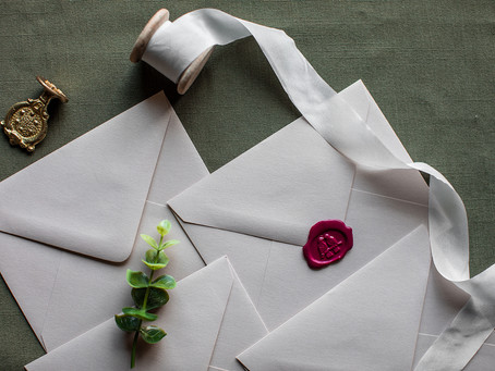 How to Mail Your Wedding Invitations