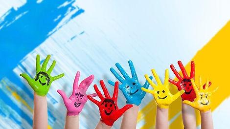 s-kids-hand-painting-owpMN8ZSw8-1.jpg